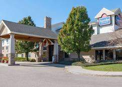 AmericInn by Wyndham Windsor Ft. Collins - Fort Collins - Κτίριο