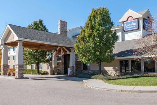 AmericInn by Wyndham Windsor Ft. Collins - Fort Collins - Toà nhà