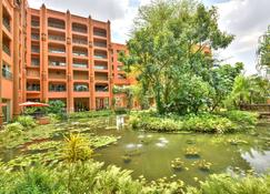 Kampala Serena Hotel - Кампала - Здание