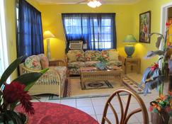Eldemire's Tropical Island Inn - George Town - Sala de estar