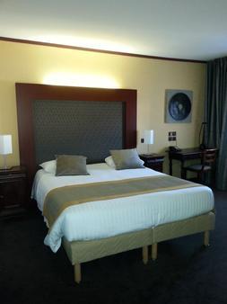 Hôtel de France - Montargis - Bedroom