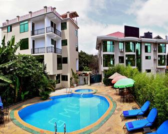 Green Mountain Hotel - Аруша - Басейн