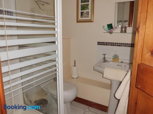 The Elms - Norwich - Bathroom