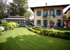 Hotel Villa Beccaris - Monforte d'Alba - Edifício