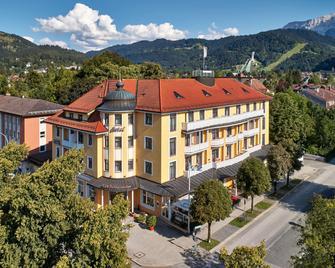 Hotel Vier Jahreszeiten - Гарміш-Партенкірхен - Building