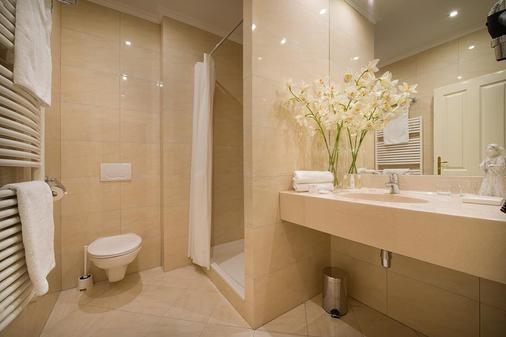 Hotel Angelis - Πράγα - Μπάνιο
