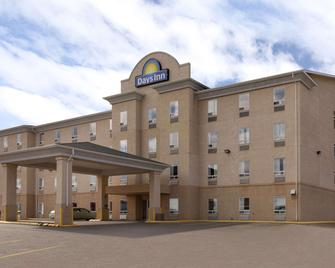 Days Inn by Wyndham Prince Albert - Prince Albert - Building