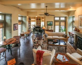 Harvey House Bed And Breakfast - Oak Park - Obývací pokoj