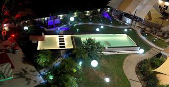 Red Mango Apartment Hotel - Takoradi