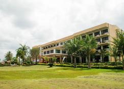 فندق ليك فيو ريزورت - Mbarara - مبنى