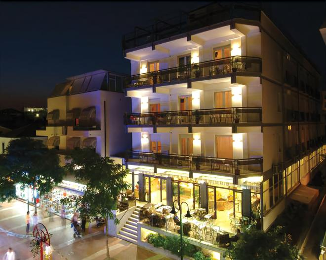 Hotel Major - Cattolica - Building