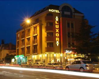 Hotel Luxor - Burgas - Building