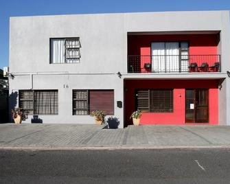 Broadway Guesthouse - Bellville - Building