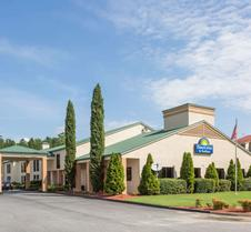 Days Inn & Suites by Wyndham Norcross