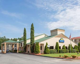 Days Inn & Suites by Wyndham Norcross - Норкросс - Здание