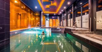 Hotel & Spa Savarin - Rijswijk - Piscina