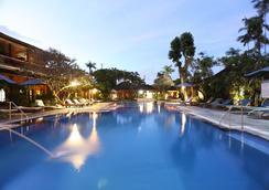 Bumi Ayu Bungalows - Denpasar - Bể bơi