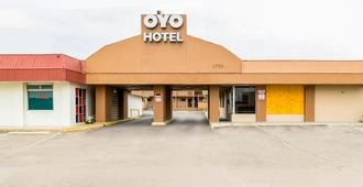 OYO Hotel San Antonio Lackland Air Force Base North - Сан-Антонио - Здание