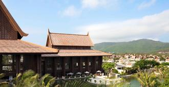 Pullman Sanya Yalong Bay Villas and Resort - Sanya - Building