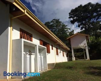 Recanto da Maya - Santo Antônio do Pinhal - Byggnad