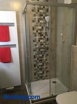 Hotel Alt Annaberg - Annaberg-Buchholz - Bathroom