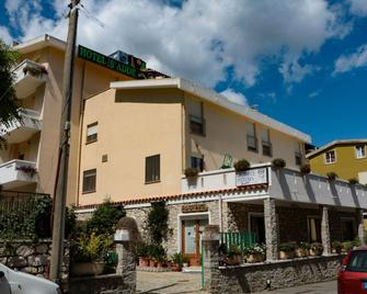 Hotel S'Adde - Dorgali - Gebouw