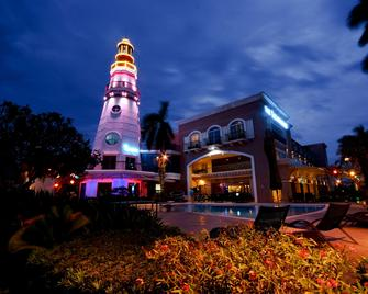 The Lighthouse Marina Resort - Subic Bay Freeport Zone - Edificio