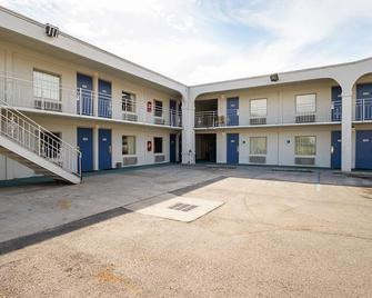 Motel 6 Decatur - Декейтер - Building
