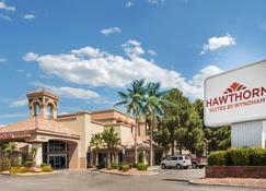 Hawthorn Suites by Wyndham El Paso Airport - El Paso - Bygning