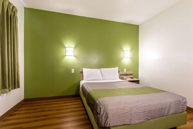 Motel 6 San Antonio South - San Antonio - Bedroom