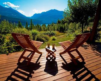 Wing Creek Resort - Kaslo - Patio