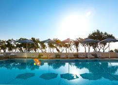 Memories Beach hotel - Monolithos - Pool