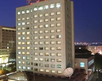 Yantai Pacific Ocean Hotel - Yantai - Κτίριο