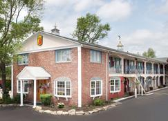 Super 8 by Wyndham Sturbridge - Sturbridge - Rakennus