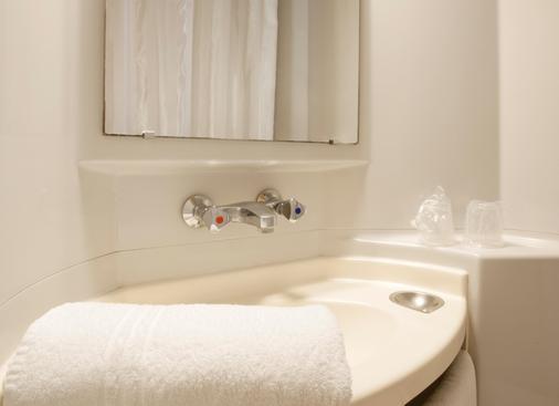 Premiere Classe Brive La Gaillarde Ouest - Brive-la-Gaillarde - Phòng tắm