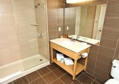 Ocean Club Hotel - Cape May - Bathroom
