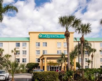 La Quinta Inn & Suites by Wyndham Melbourne Viera - Melbourne - Building