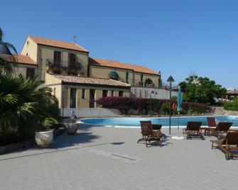 Serra San Biagio - Fiumefreddo di Sicilia - Pool