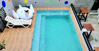 Wassup Youth Hostel - George Town - Pool