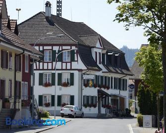 Gasthaus zum Löwen - Neftenbach - Building