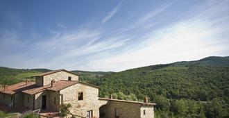 Hotel Le Noci - whole location - Radda In Chianti - Outdoor view