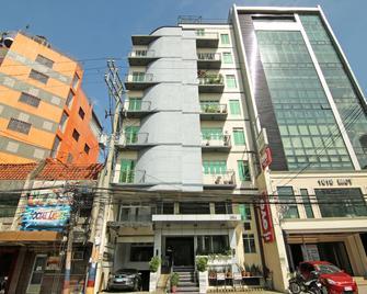 Oyo 107 Orange Nest Hotel - Manila - Toà nhà
