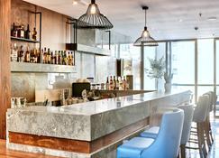 The District Hotel - San Ġiljan - Bar