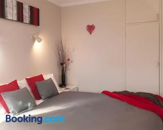 Almond Court Motel - Alexandra - Bedroom
