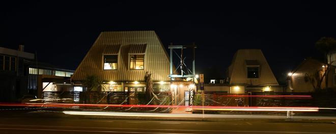 Taupo Urban Retreat - Taupo - Building