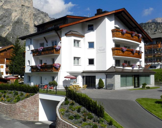 Garni Apartments Mezdi - Selva di Val Gardena - Building