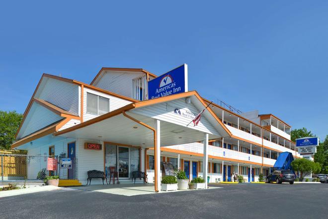 Americas Best Value Inn & Suites Branson - Near The Strip - Branson - Building
