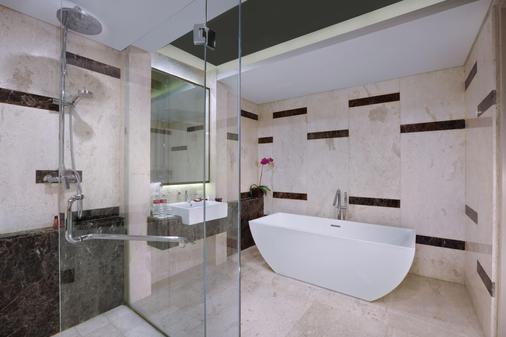 登巴薩奎斯山酒店 - 登巴薩 - 庫塔 - 浴室