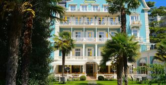 Hotel Bavaria - Merano - Toà nhà