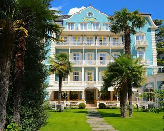 Hotel Bavaria - Merano - Building